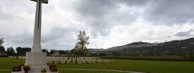 Assisi-War-Cemetery7