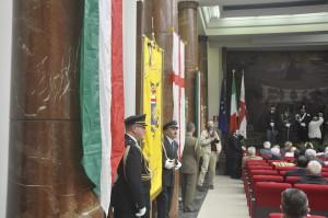 Vessilli della Regione Lombardia e di Milano nella sala del Convegno