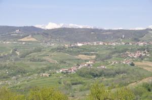 La catena delle Giulie con il Monte Nero foto presa da Oslavia